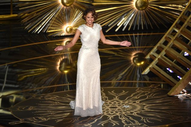 Stacey Dash Breaks Down Her Oscars Surprise With Equally Out Of Touch Statement - http://www.jfashion.co.uk/jfashion/blog/stacey-dash-breaks-down-her-oscars-surprise-with-equally-out-of-touch-statement/