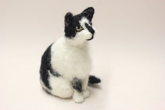 Realistic Looking 17cm Cute Playful Cat Ornament Home Decor Gift For Cat Lovers