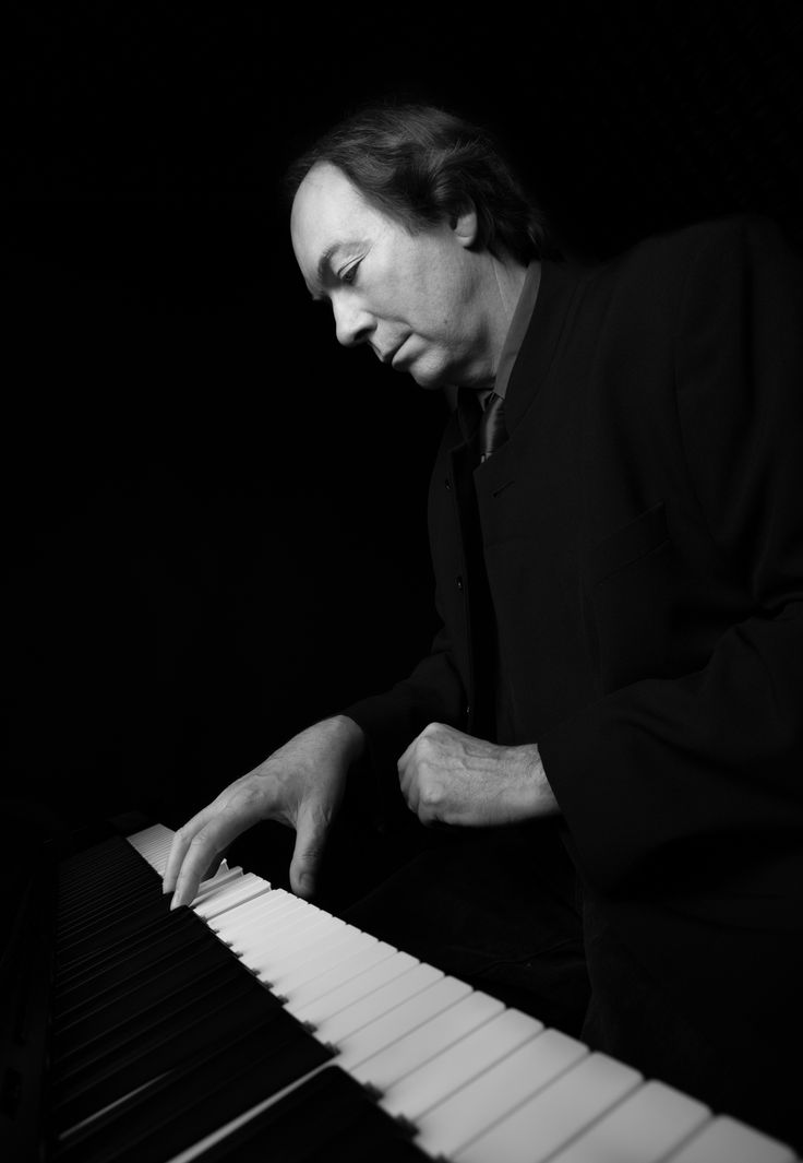 Isak Roux, Autumn Journal, the artist on Piano Afrika& Honky Tonk Piano Fri 16 June, 11:00 (holiday)