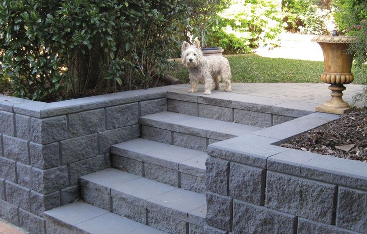 how to build a retaining wall with concrete blocks video