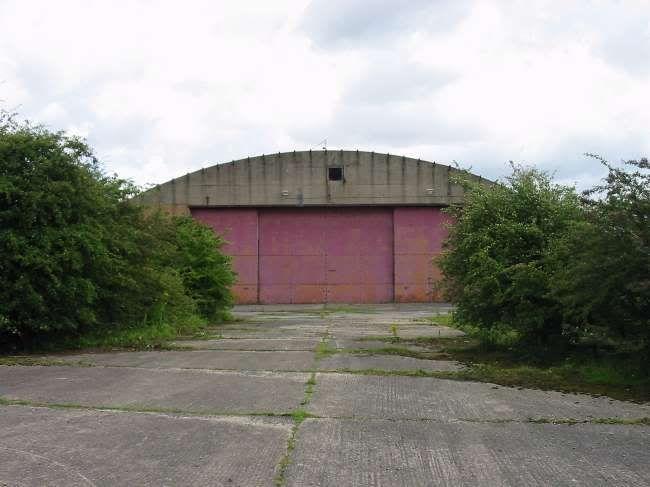 IckleWEB » RAF Burtonwood Hangers