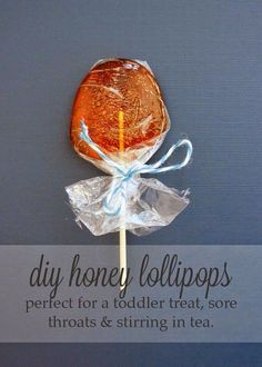 DIY Homemade Honey Lollipops or Honey Pops- Perfect for a toddler treat, sore throat or stirring in tea by Oakland Avenue
