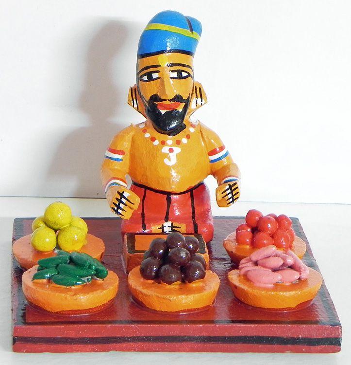 Vegetable Seller - Kondapalli Doll (Wood))