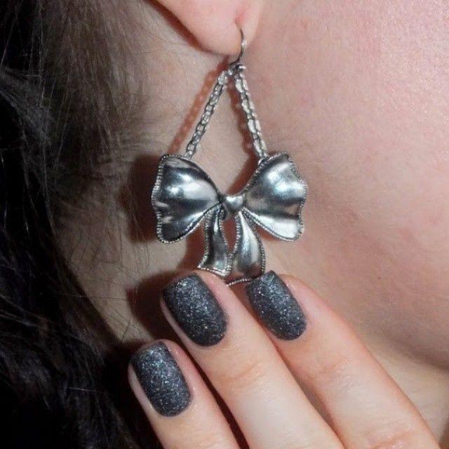 Black ribbon earring