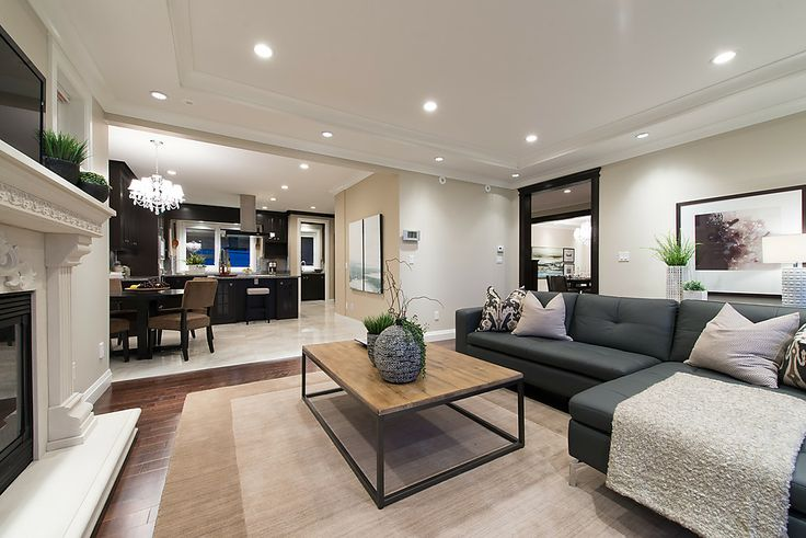 North Vancouver Family Room