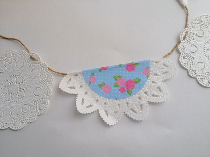 {20 Minute Crafter} Origami paper and doily bunting tutorial by Alyce from Blossom Heart Quilts