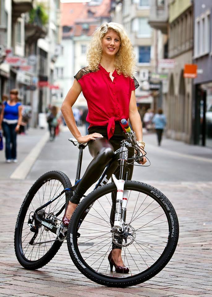 Jolanda Neff - Pro Mountain Bike - World Champion  Cycling  Bicycle Girl, Cycling -9606