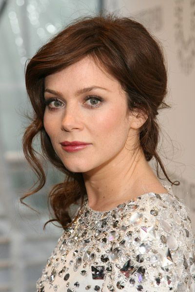 Anna Friel (Pushing Daisies) - i love her hair color