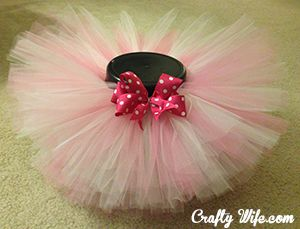 Baby Tutu Tutorial by Crafty Wife!  I think I'll make one of these for Ari's birthday instead of buying one! I'm sure I'll save a lot!