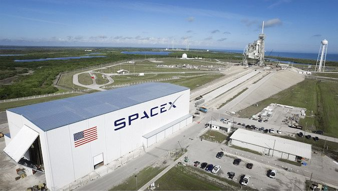 Live coverage: SpaceX begins final launch preparations at historic launch pad