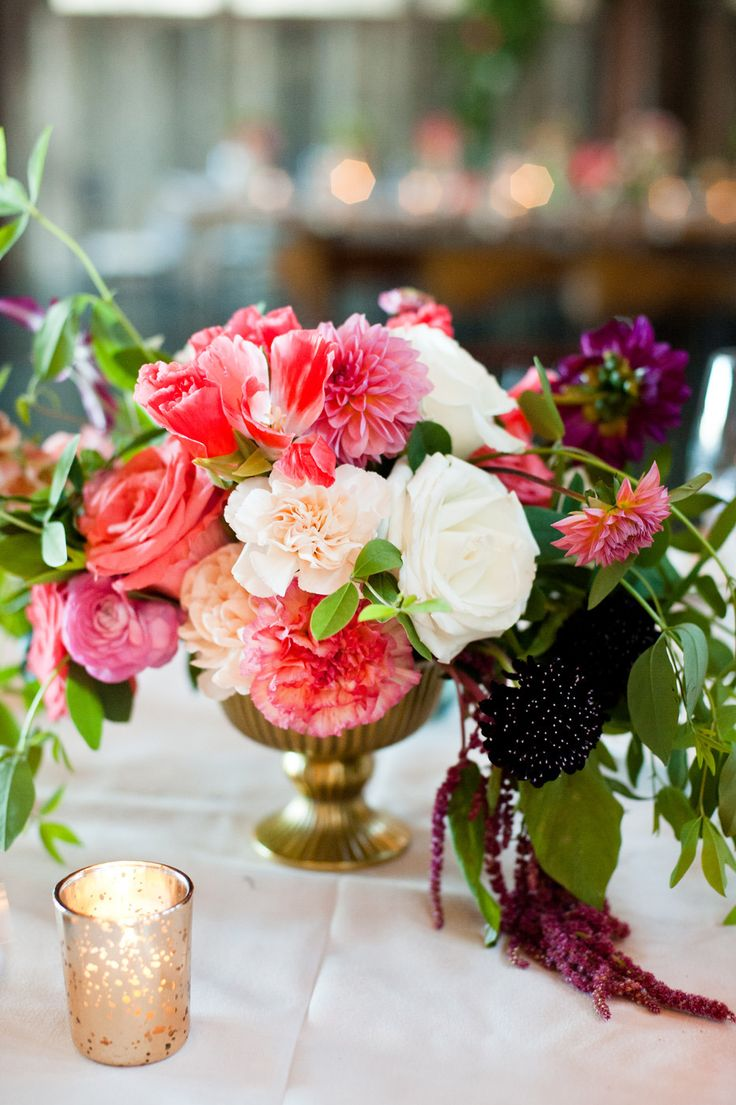 414 best centerpieces you 39 ll love images on pinterest for Summer wedding centerpieces