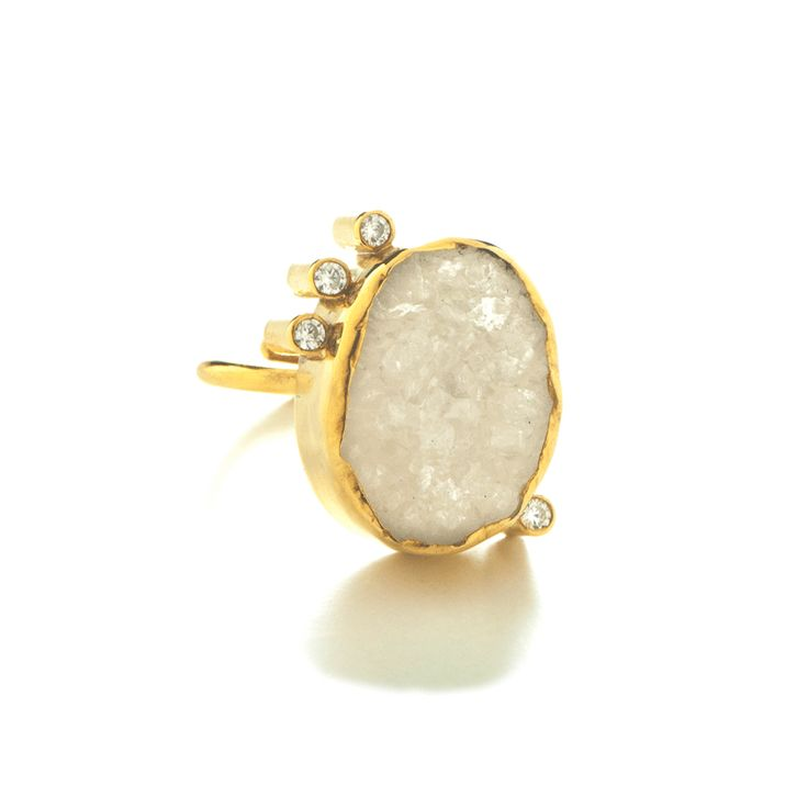 Aspects of Life ring is one of the few designs made based on the available materials and more precisely on the rough agate stone. It is made entirely by sterling silver 925 and is decorated with white zircons. Its limitationcomes from the limited stones of this size and effect.  Therou