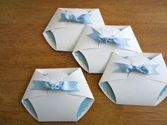 anregungen babyparty einladungen windeln form junge blau