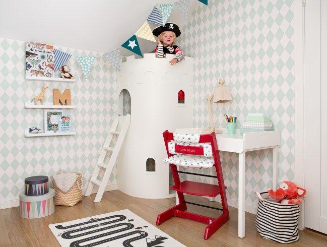Génial la tour pour une chambre de petit chevalier pour les pirates ça