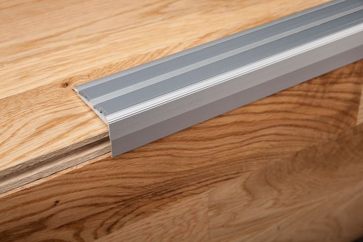 Floor Tile Edging Options: 1000+ Ideas About Stair Nosing On Pinterest