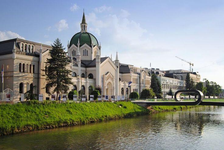 Likovna Kademija (Academia de Bellas Artes), Sarajevo - http://villafotoblogg.blogspot.com.es/