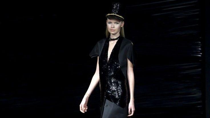 Portugal Fashion. A moda num quartel pelas peças de Buchinho inspiradas nos videoclips dos anos 80 - Observador