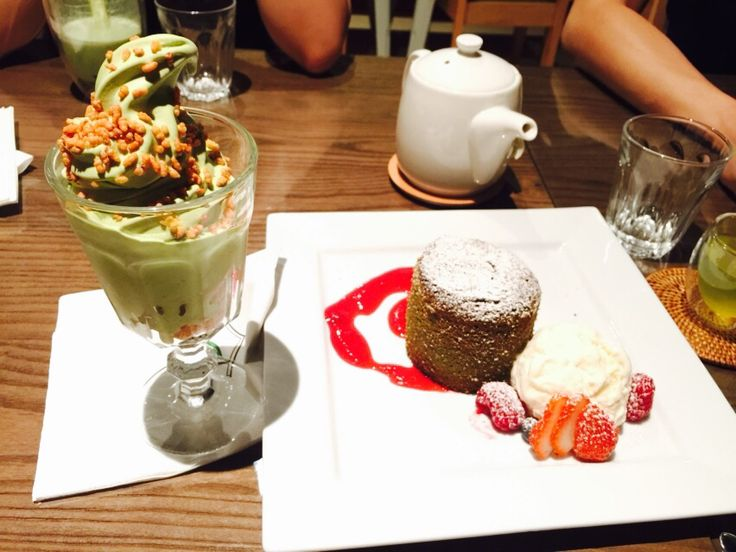 Matcha frappé and Matcha lava cake with vanilla ice-cream.