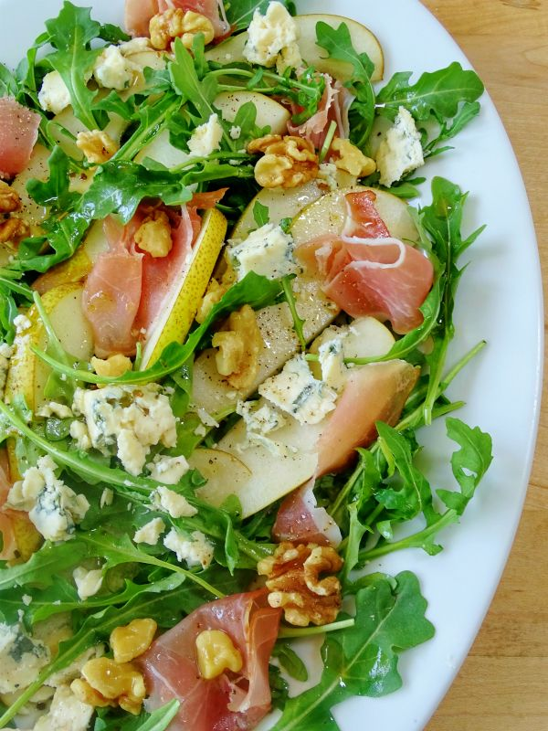 To me summer is all about the salads, and do I have a good one to share with you today! It's a combination of salty prosciutto, peppery arugula, creamy gorgonzola and sliced sweet pears, need I say more? The other day I discovered a new variety of pears called Abate ,( pronounced ah-BAH-tay) they have …