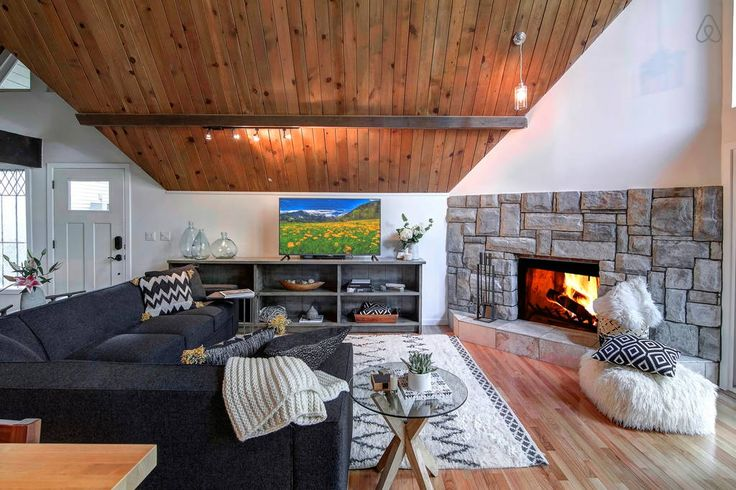 Check out this awesome listing on Airbnb: Large Modern Cabin /Family Retreat - Houses for Rent in Lake Arrowhead