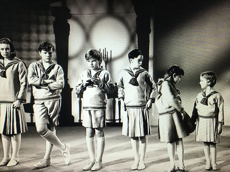 Charmian Carr as Liesl, the first and eldest child Nicholas Hammond as Friedrich, the second child Duane Chase as Kurt, the fourth child and younger boy Angela Cartwright as Brigitta, the fifth child Debbie Turner as Marta, the sixth child Kym Karath as Gretl, the seventh and youngest child Where's heather?