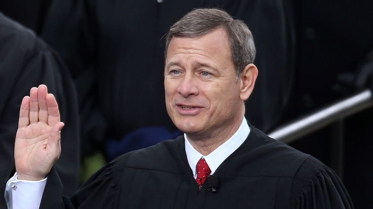 WASHINGTON—Explaining that the task was simply one of many professional responsibilities he is required to perform, Chief Justice John Roberts reportedly stopped partway through administering the presidential oath of office Friday, turned to face those gathered on the National Mall, and reminded them this was just part of his job.