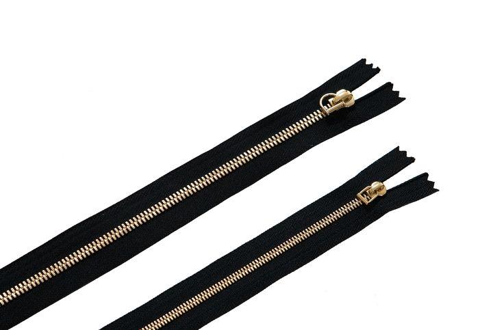 Le #sac 9.58 est le seul à offrir une véritable fabrication plaqué or #MadeInFrance sur ses curseurs ! www.9secondes58.com