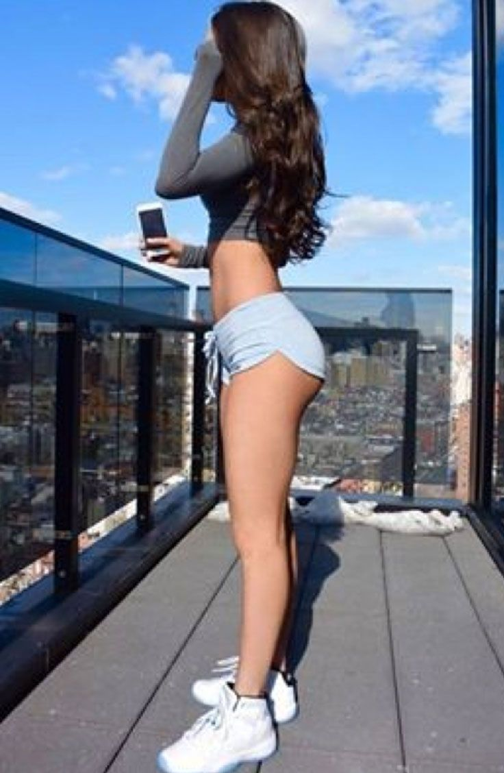 Jen Selter rockin' booty shorts and crop top. #fitspo | Bamboo Pocket Shorts |