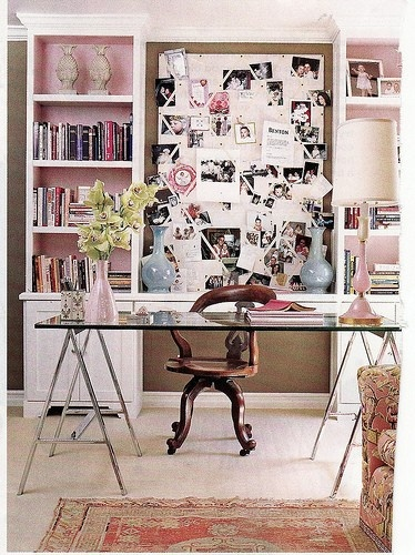 love the clean look w/ the messy bulletin board look intertwined!