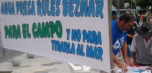 Foto de archivo: Agricultores de la Costa Tropical reivindican la canalizaciones de la presa de Rules