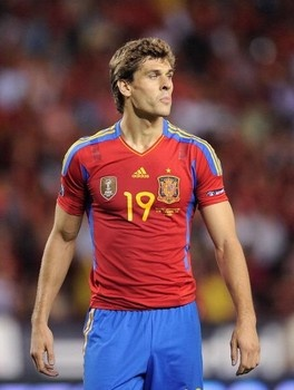 Tottenham turn gaze to Spanish star Fernando Llorente