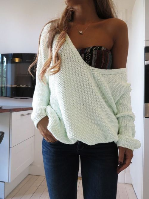 1000+ ideas about Baggy Sweaters on Pinterest Sweaters, Dillards and Big Sw...