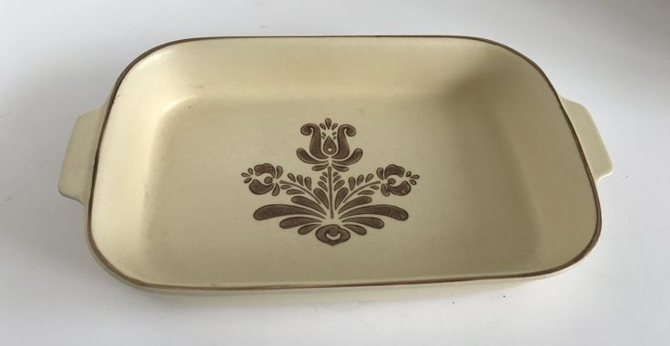 Vintage Pfaltzgraff Village Pattern 2 Quart Baking Dish 236