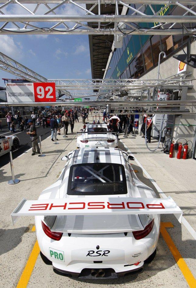 Porsche--- Oh whoa!!!