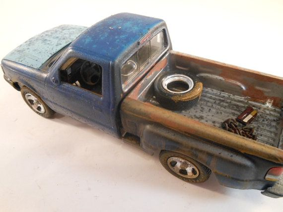 Late model Ford Ranger pickup truck in 1/24 scale by classicwrecks