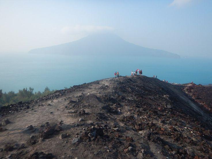 Open Trip Krakatau, Lagoon Cabe Wisata Favorit Backpacker Indonesia