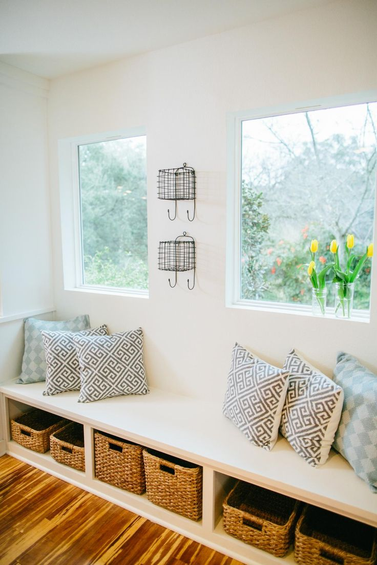 Window seat storage camps pinterest - Fixer Upper Bringing A Modern Coastal Look To A Faceless Bunker Window Seats With Storagewindow