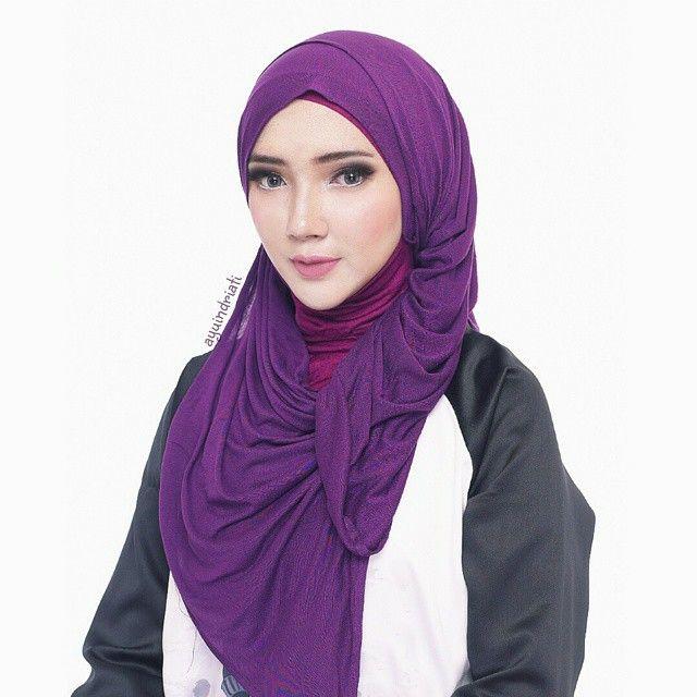 Ayu Indriati hijab