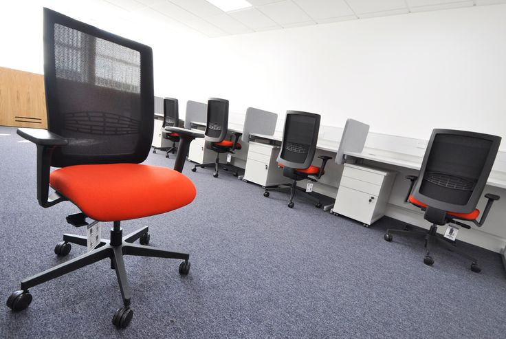 University of Southampton: Highfield Campus.  Ensemble mest task chairs.