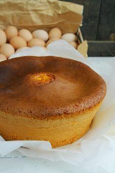 """Pão-de-ló de Viseu (Beira Alta) """"O pão-de-ló é um bolo caseiro muito apreciado. O segredo para que este pão-de-ló, originário de Viseu..."""