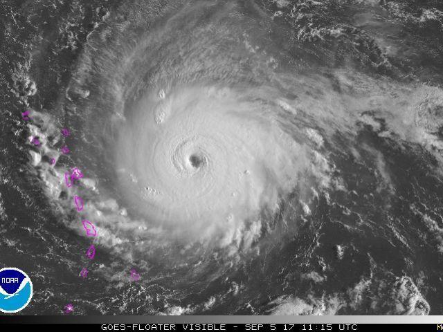 """Resultado de imagen para """"Eye Of The Storm"""" NIÑOS EN UNA ESCUELA DE CAROLINA DEL NORTE LO CANTAN ANTE PASO DE HURACAN"""