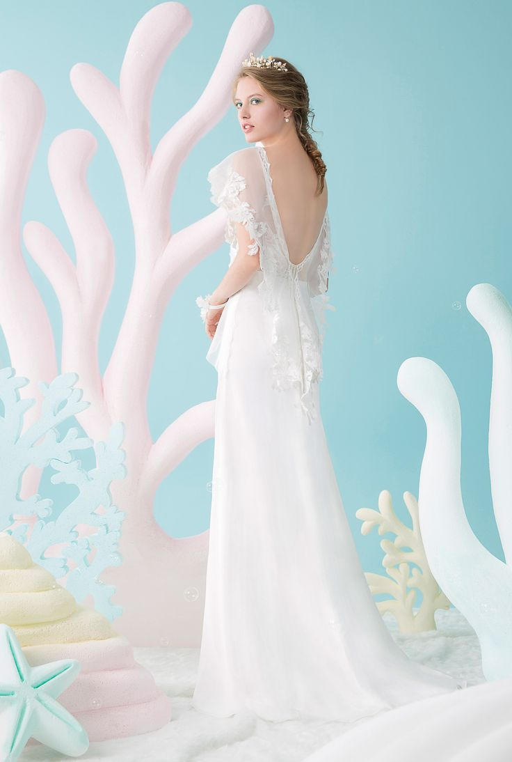 Flutter laced sleeves with a sexy thigh slit gown  | Wedding Dresses|  Bridal Boutique Singapore | Wedding Gown Singapore | Wedding Dress Singapore | Wedding Package Singapore | Wedding Gown Rental | Wedding Gown Purchase