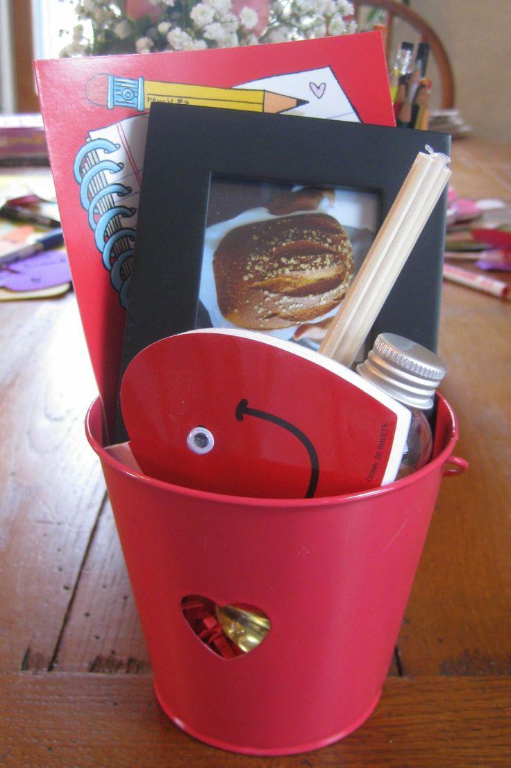 Inexpensive Valentine Gifts For Teachers. DIY Valentines Day Gift For Teacher With Gift Card In Frame  Dagmar