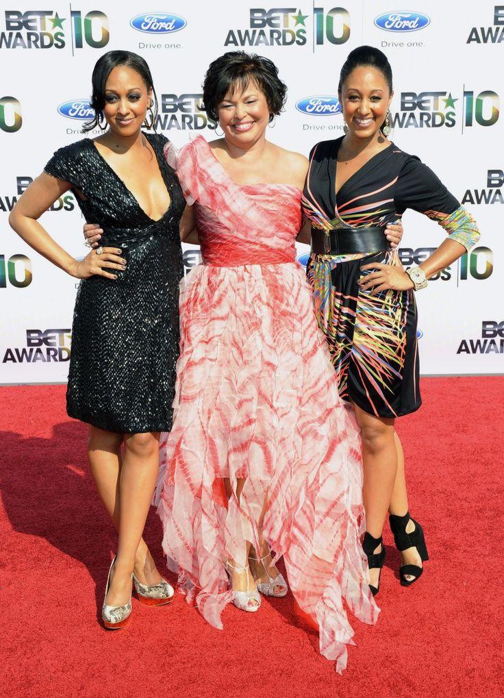 Black Celebrity Twins Besides Tia & Tamera   Cute twins ...