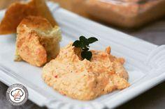 Egal ob einfach zum Baguette oder Fladenbrot oder auch zu gegrilltem Fleisch, dieses Knoblauch-Feta-Creme Rezept schmeckt einfach klasse.