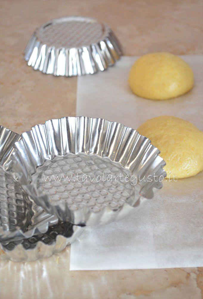 Pasta Brioche - Brioches dolci http://www.tavolartegusto.it/2012/03/02/pasta-brioche-ricetta-brioches-dolci-trecce-brioches/