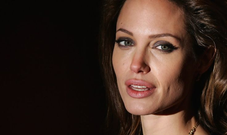 Angelina Jolie - Beowulf Premiere