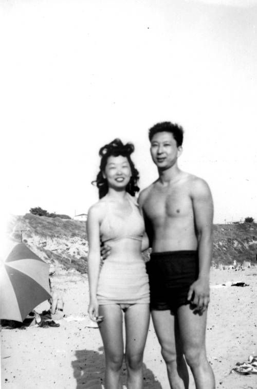Young June Yoon and Sarah Lyou. http://digitallibrary.usc.edu/cdm/ref/collection/p15799coll126/id/16292