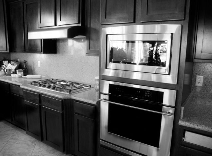When your oven is clean, your entire kitchen will look better. Check out why you need a professional oven cleaning