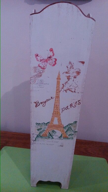 Paraguero Vintage. Estilo Parisino. Pintada a mano.